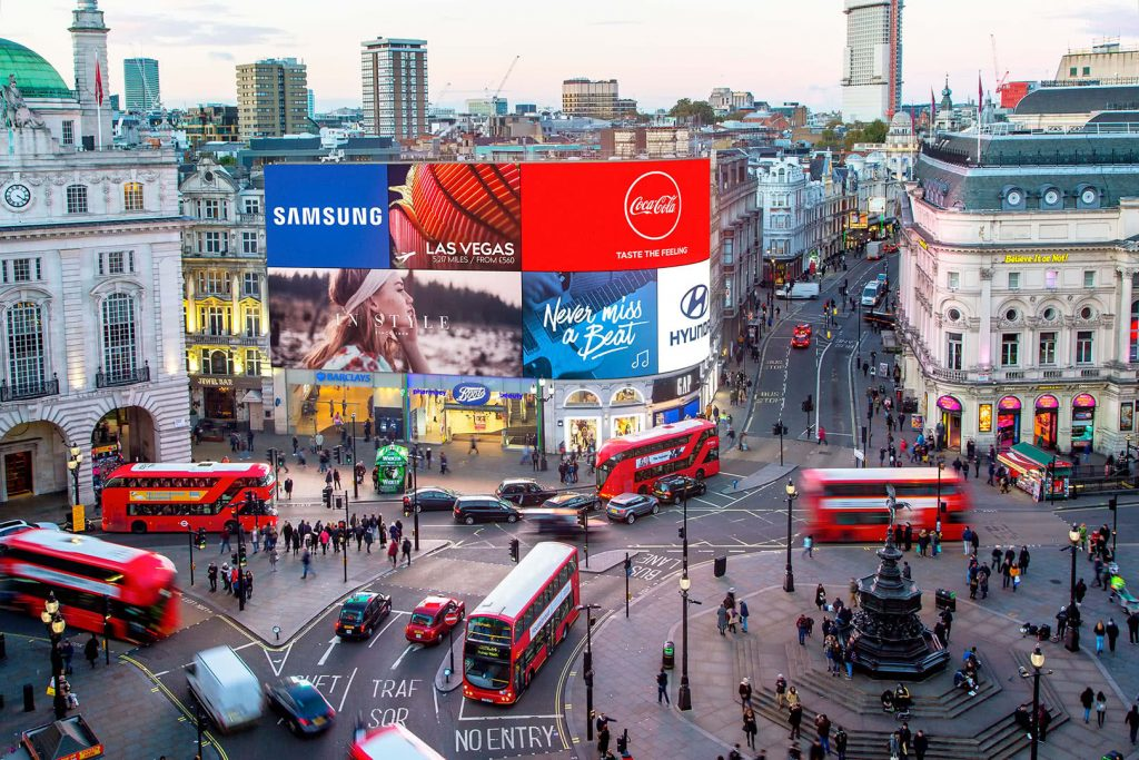 Pantallas LED gigantes de Piccadilly Circus (Londres)